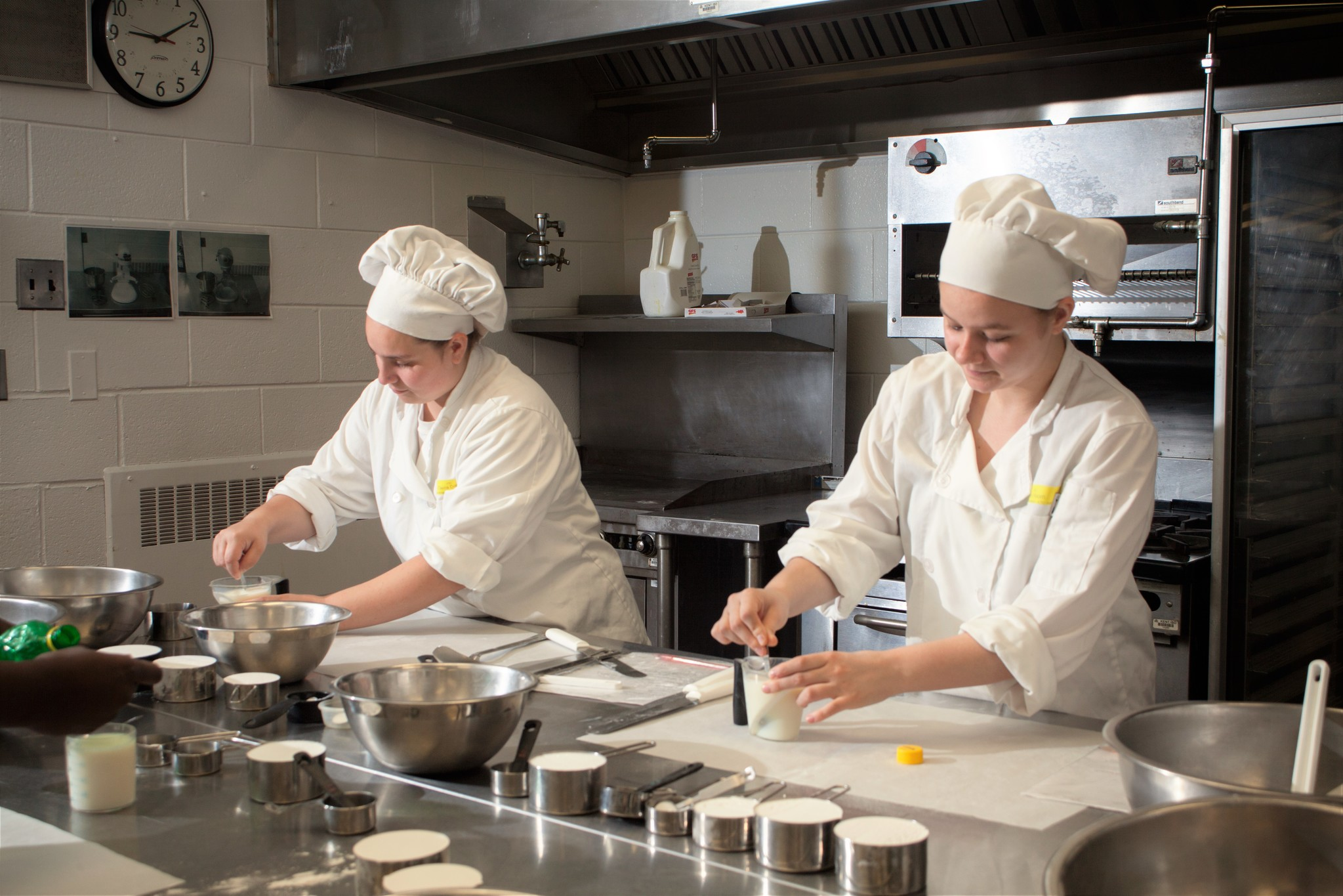 KTC Hospitality students working in kitchen